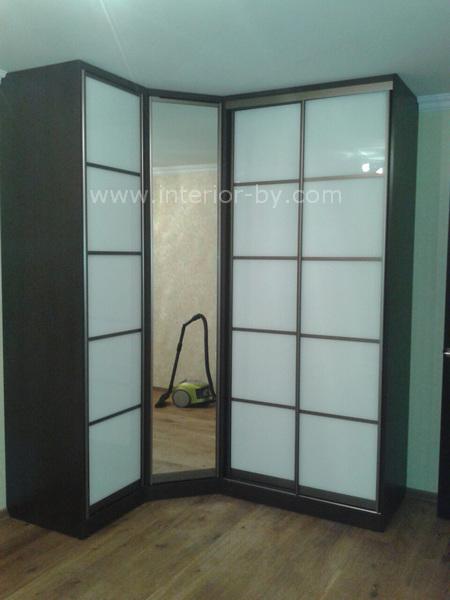 Шкаф купе лакобель белый с зеркалом угловой