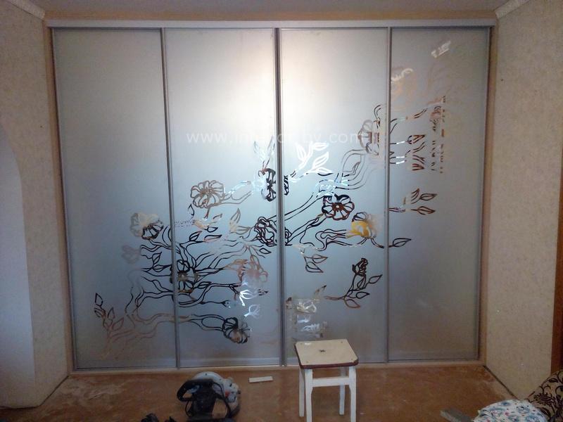 Шкаф купе пескоструйное стекло