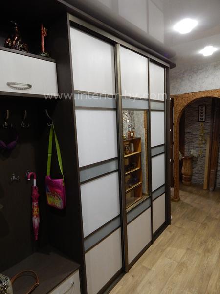 Шкаф купе для прихожей ДСП и Лакомат