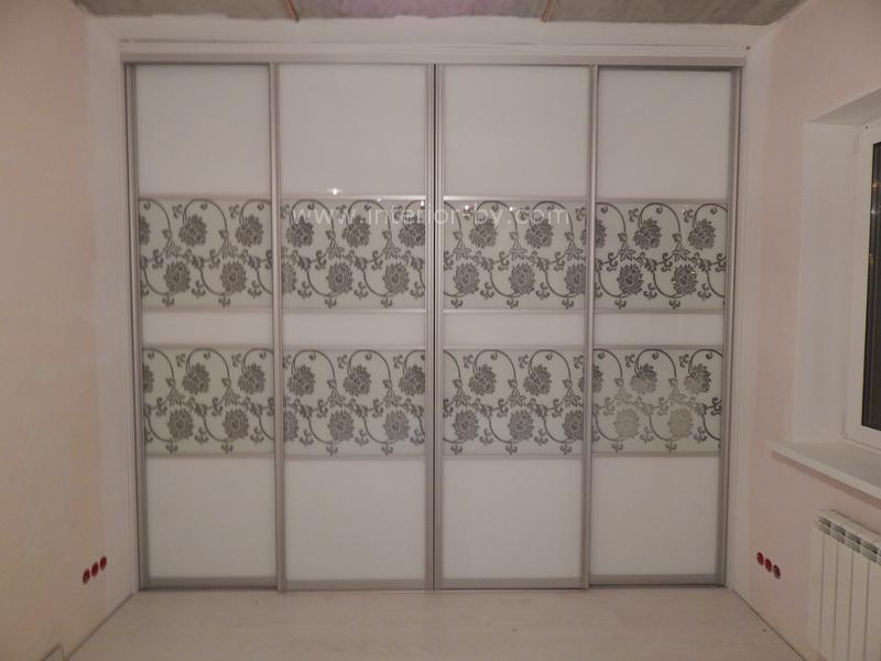 шкаф купе с дверями лакобель белый ультра с пескоструем и окраской