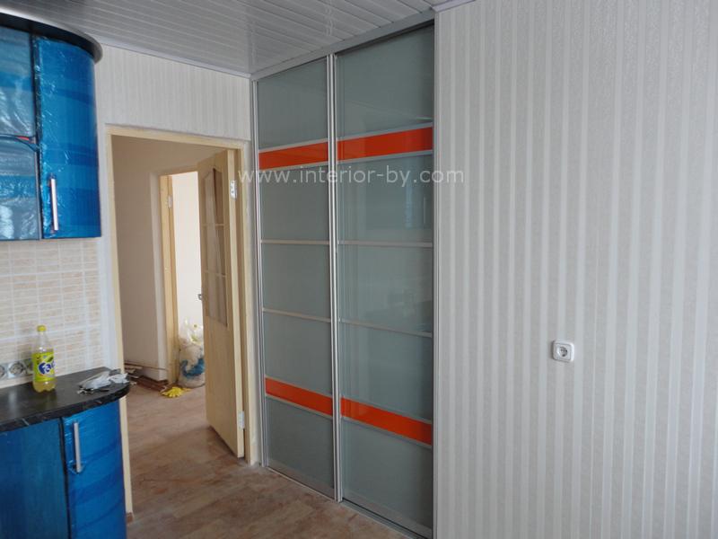 шкаф купе с лакобелем оранжевым