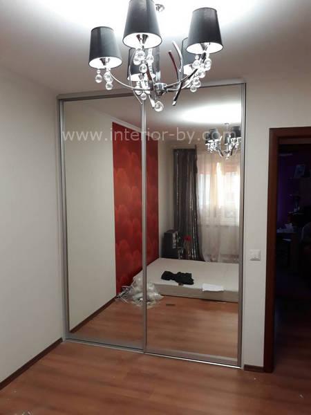 зеркальный гардероб для спальни