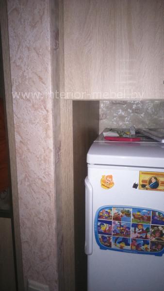 Прихожая с холодильником