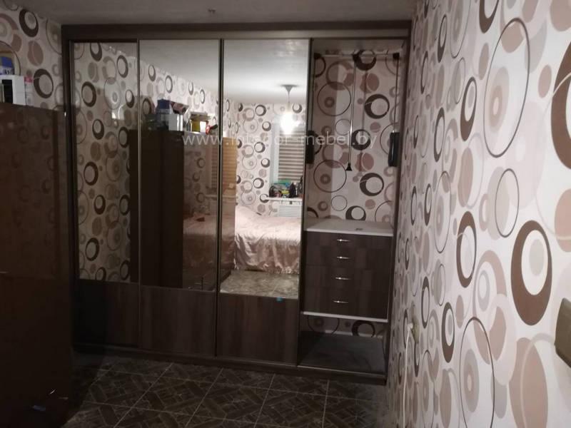 Шкаф с зеркалом в спальню узкий профиль модус