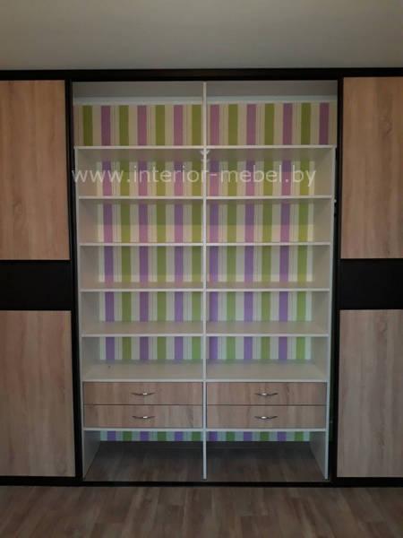 Шкаф купе со вставками лакобеля