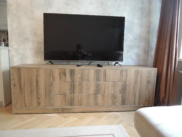 Тумба для ТВ и шкаф для посуды в стиле ретров гостинную
